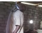 கிளிநொச்சியில் தூக்கில் தொங்கிய நிலையில் முதியவர் சடலமாக மீட்பு