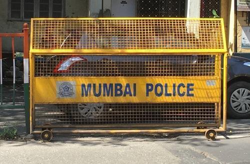 mumbai_police_15415  மகன் கொலை... 2 ஆண்டுகளாக துப்புத் துலக்கிய தந்தை... அதிர்ந்த காவல்துறை! mumbai police 15415