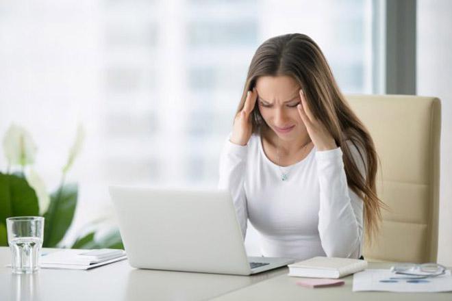Stressed-woman  மாதவியாய் சுழற்சியின் 4 கட்டங்கள் Stressed woman1