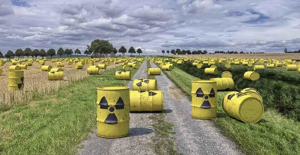 nuclear-waste-1471361_960_720_21283  அமெரிக்க அணுக்கழிவுக் கிடங்கில் ஏற்பட்ட விரிசல்... ஆபத்தில் பசிபிக் பெருங்கடல்? nuclear waste 1471361 960 720 21283