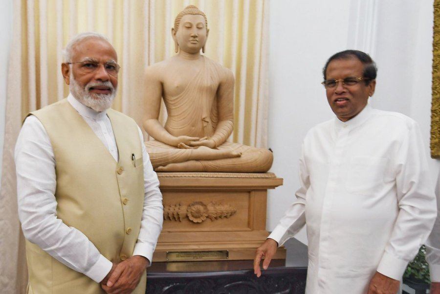 modi-maithri-budha-2  மோடிக்கு மைத்திரி பரிசளித்த தியான நிலை புத்தர் சிலை modi maithri budha 2