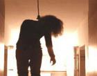 தூக்கில் தொங்கிய நிலையில் மீட்கப்பட்ட  16 வயது மாணவி வைத்தியசாலையில் உயிரிழப்பு
