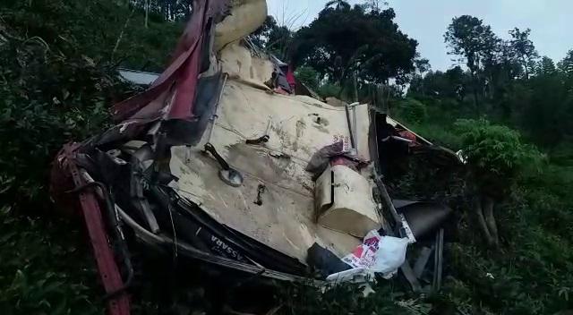 Bus-Accident-4 பசறை பேருந்து விபத்து: உயிரிழந்தவர்களின் எண்ணிக்கை 12ஆக அதிகரிப்பு பசறை பேருந்து விபத்து: உயிரிழந்தவர்களின் எண்ணிக்கை 12ஆக அதிகரிப்பு Bus Accident 4