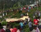 100 அடி பள்ளத்தில் வீழ்ந்த பேருந்து – 08 பேர் பலி 50ற்கும் மேற்பட்டோர் படுகாயம்