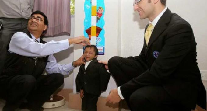 கஜேந்திர தாப்பா மகர்: உலகின் மிகச் சிறிய மனிதர் மரணம்