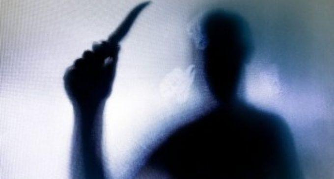 தலையை துண்டித்து கொலை செய்யப்பட்ட 16 வயது சிறுமி – ஆணவக் கொலையா?
