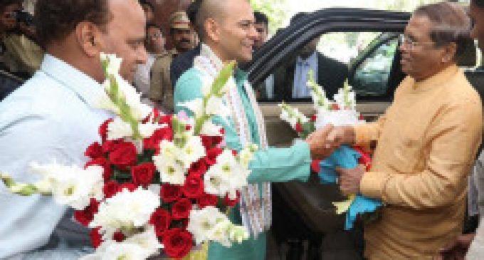 ஜனாதிபதி மைத்திரி குடும்பத்தாருடன் திருப்பதி விஜயம்