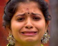 பிக்பாஸ் மதுமிதா மீது போலீஸில் விஜய் டிவி புகார்: என்ன நடந்தது? – விரிவான தகவல்கள்
