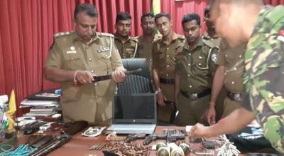 Weapons-Found-from-Ex-LTTE-Cadre's-House-Kilinochchi-1