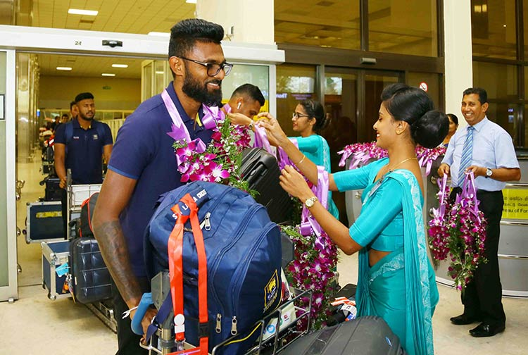 Welcoming-the-Team-at-the-Airport-3