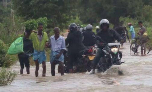 இலங்கை கனமழை: ஐந்து பேர் உயிரிழப்பு; பாதிக்கப்பட்ட பகுதிகளை பார்வையிட்ட கோட்டாபய ராஜபக்ஷ