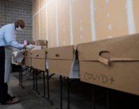 அமெரிக்காவில் ஒரே நாளில் 33,494 புதிய கொரோனா தொற்றாளர்கள் அடையாளம் ; உயிரிழந்தோரின் எண்ணிக்கை 160,721 ஆக உயர்வு