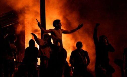 அமெரிக்காவை உலுக்கும் கறுப்பினத்தவர் ஜார்ஜ் ஃப்ளாய்ட் மரணம்: டிரம்ப் 'வன்முறை பதிவு'