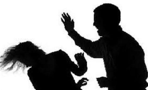 அதிக போதையில் காணப்பட்ட நபர் மேலும் மதுபானம் அருந்த பணம் கேட்டு தாய் மீது தாக்குதல்!