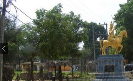 யாழ். நல்லூர் பகுதியில் பொதுமக்கள் மீது தாக்குதல் மேற்கொண்ட கும்பல் |