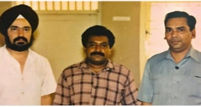 பிரபாகரனும் இந்தியாவின் சிவில் விமானப் போக்குவரத்து, இணை அமைச்சர் ஹர்தீப் சிங்பூரியும்