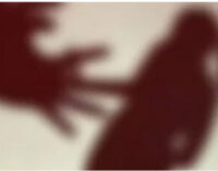 `புனித நீர் கொடுத்தா எல்லாம் சரியாயிடும்!' மதபோதகரால் நண்பரின் மனைவிக்கு நேர்ந்த கொடுமை