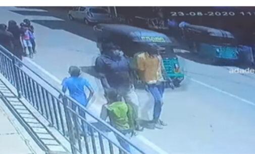 முச்சக்கரவண்டியில் மோதுண்ட பாடசாலை மாணவி – CCTV காணொளி