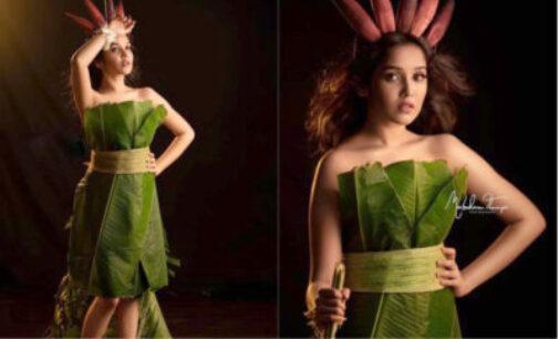 வாழை இலையை ஆடையாக அணிந்த நடிகை அனிகா