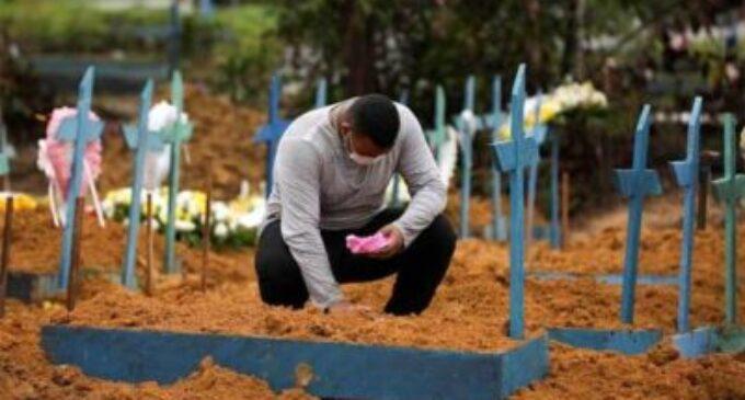 9 லட்சத்து 50 ஆயிரம் பேர் பலி – புரட்டி எடுக்கும் கொரோனா