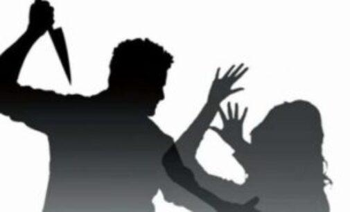 காதல் விவகாரம் – தந்தை மற்றும் மகள் மீது கத்திக்குத்து மேற்கொண்டவர் தற்கொலை!