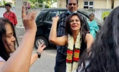 பிக்பாஸ் ரம்யா பாண்டியனுக்கு மேளதாளத்துடன் உற்சாக வரவேற்பு – வைரலாகும் வீடியோ