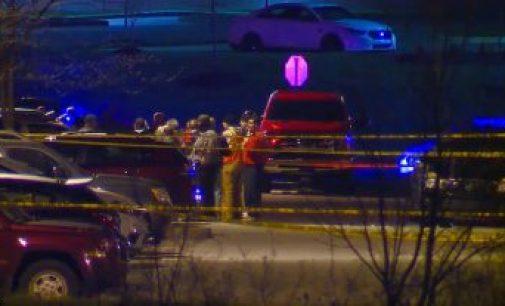 அமெரிக்காவில் கண்மூடித்தனமான துப்பாக்கிச் சூடு: இந்தியானா பொலிசில் 8 பேர் பலி